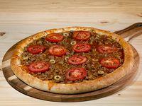 Pizza familiar bolognesa