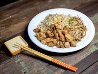 1 - Wok de pollo yakimeshi y vegetales