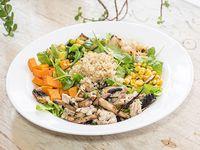 Ensalada tibia de pollo y quinoa