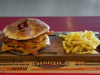 Hamburguesa doble con queso y bacon