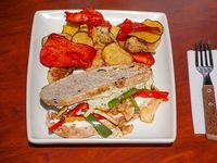 Sándwich de pollo, pesto y pistacho