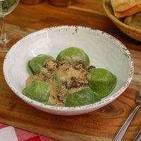 Sorrentinos de espinaca, ricota y muzzarella