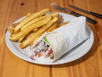 Shawarma de lomo con papas fritas