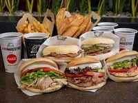 La selección maestra - Pollo italiano + churrasco granjero + lomo chacarero + churrasco, palta y mayo + churrasco luco