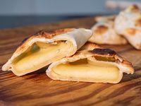 Empanada de queso roquefort
