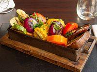 Cajón de verduras asadas