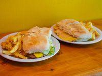 Promoción - 2 hamburlomos con papas fritas