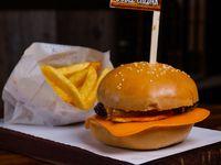 Burger doble queso con papas fritas