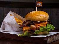 Burger doble Sense con papas fritas