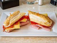 Sándwich de jamón cocido, queso, tomate y mayonesa SIN TACC