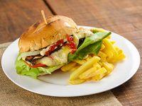 Promo - Chivito criollo con papas fritas