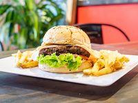 Combo - Clásica burger con papas fritas rústicas