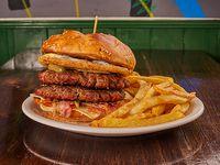 Hamburguesa doble Nelson con papas fritas