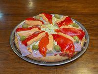 Pizza con palmitos, jamón, huevo y morrón