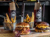 Promo 2 - 2 hamburguesas a elección con papa fritas + 2 L de cervezas Tropel a elección