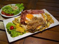 Promo - Milanesa Fatta in casa con papas fritas y ensalada rusa