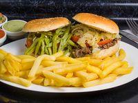 Promo 1 - 2 Sándwiches a elección + papas fritas medianas + bebida 1 L