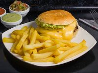 Sándwich brasileño + papas fritas individual + bebida 350 ml