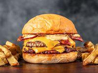 Hamburguesa Cheese Bacon con papas fritas
