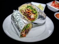 Burrito + Nachos con Salsas