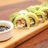 Roll arata avocado