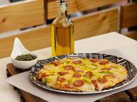 Por la Compra de Una Pizza Familiar Lleva Gratis Gaseosa 1.25 L