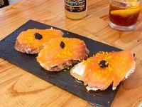 Brusqueta de salmón (3 unidades)