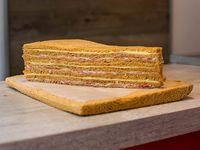 Sándwiches de jamón crudo y queso (12 unidades)