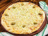 Pizza muzzarella con huevo duro