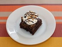 Brownie con dulce de leche y merengue