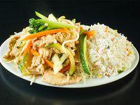 Chapsuí de pollo con arroz