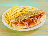 Buffalo chicken sub con papas fritas