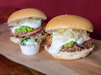 Promo 8 - 2 Sándwiches de mechada completos