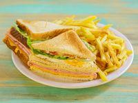 Sándwich americano caliente