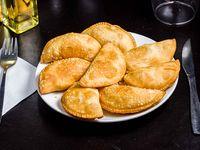 Empanaditas de queso (8 unidades)