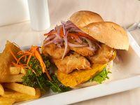 Sándwich de chicharrón de pescado