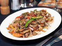Salteado de pollo y vegetales