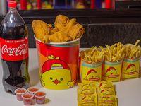 Combo - 12 presas de pollo surtidas + 3 papas grandes o arroz grande + Coca Cola 2 L