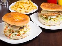 Promo 6 - 2 hamburguesas especiales + papas fritas + bebida 1.5 L
