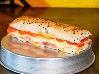 Sándwich tostado napolitano