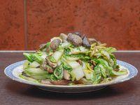 Verdura china con hongos y champignones