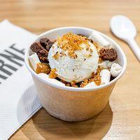 Bizcocho de chocolate con merengue