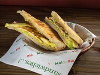 Sándwich de ave oriental