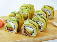 06 - Avocado sake cheese roll