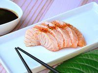 Sashimi de salmón spicy (5 piezas)