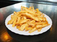Porción Grande de papas fritas para compartir