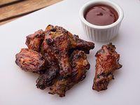 Chicken Wings con salsa BBQ o búfalo a elección
