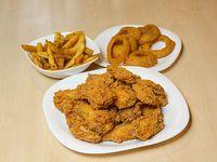 Combo alitas tom - 10 alitas de pollo completas, 2 acompañamientos a elección