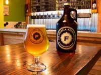 Growler Plastico de cerveza 2 L + recarga