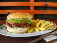 Sándwich de churrasco italiano + papas fritas